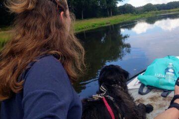 Marloes en Saga_suppen met hond_3